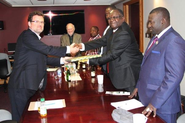 Le maire de Gatineau Mr Maxime Pedneaud Jobin  recoit la délégation du Niger